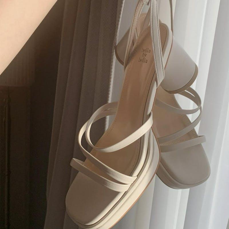 cream ennui sandalの画像1枚目