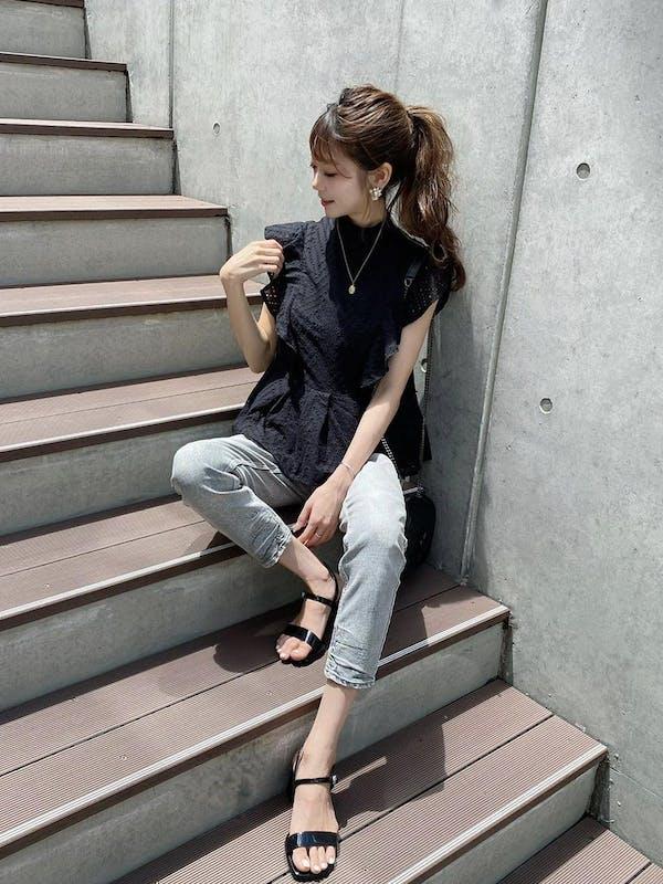 【 kanna × powantolune コラボアイテム】cotton race frill blouseの画像1枚目