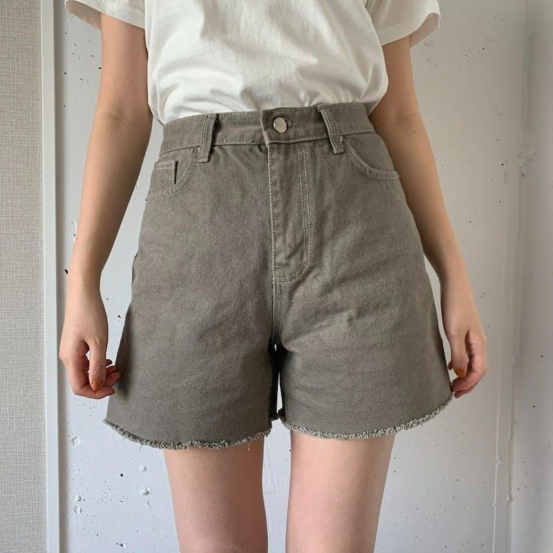 gray jeans short pantsの画像1枚目