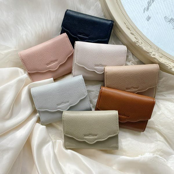 mellow's フリルミニ財布の画像1枚目