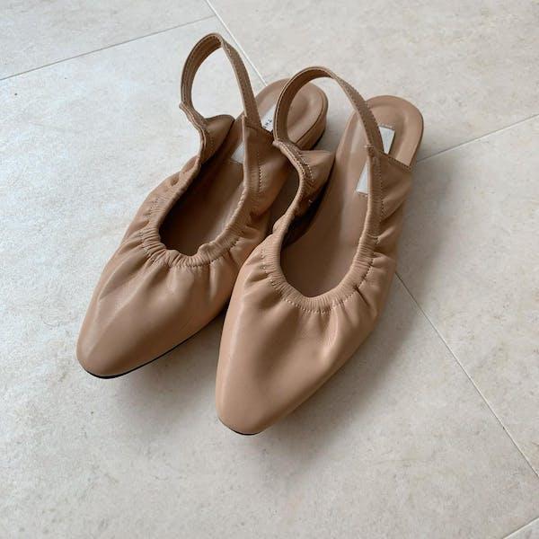flat shoesの画像1枚目