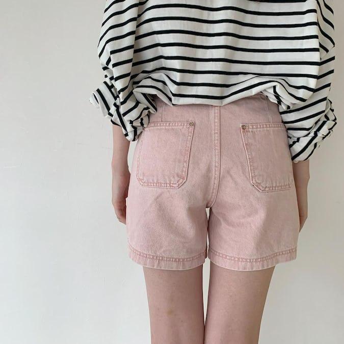 pink short pants