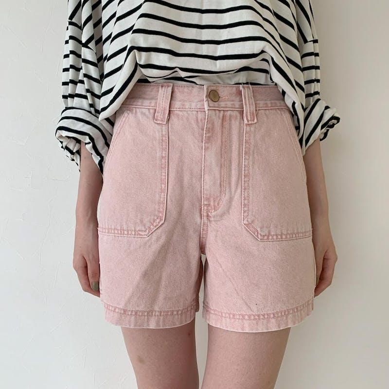 pink short pantsの画像1枚目