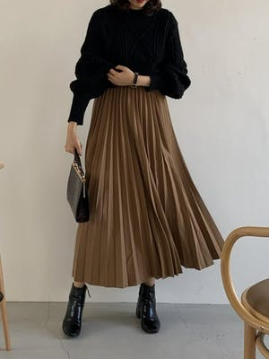volume pleats skirt