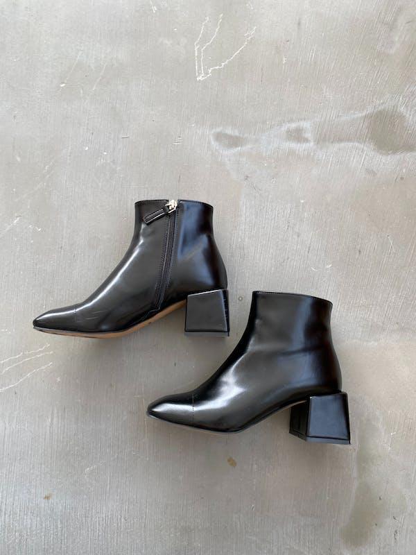 square toe bootsの画像2枚目