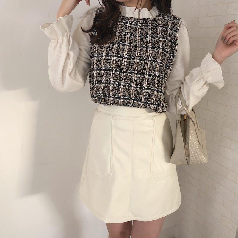 ホワイトレザースカートの画像1枚目
