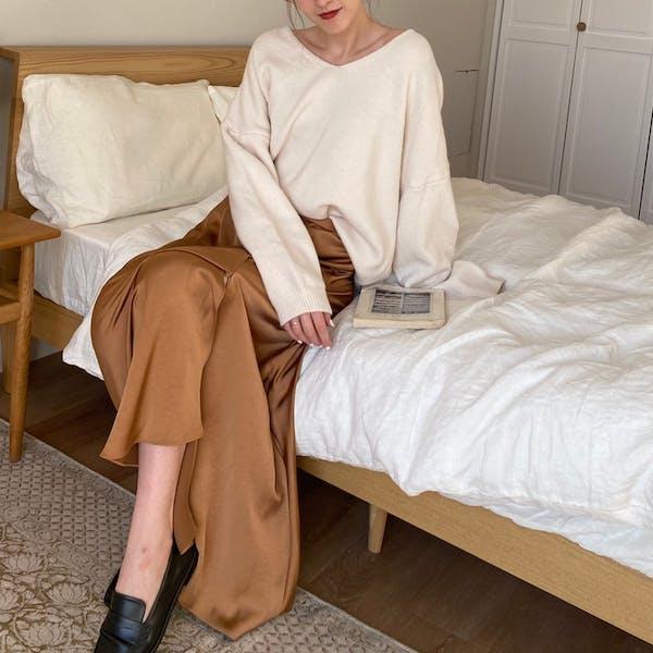 spring knit & satin slit skirt setの画像1枚目