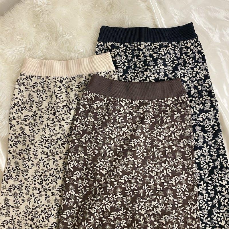 アンティークフラワーニットスカートの画像1枚目