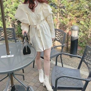 frill cape blouse