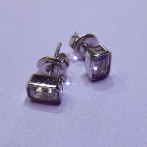 square pierce