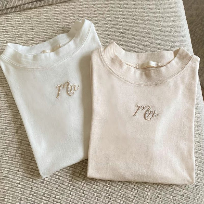 mellow's ハイネック刺繍Tシャツの画像1枚目