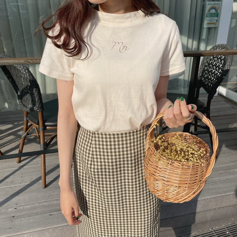 Tシャツ(IVORY)×チェックタイトスカートの画像2枚目