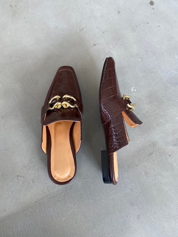 croco metal fitting sandalsの画像2枚目