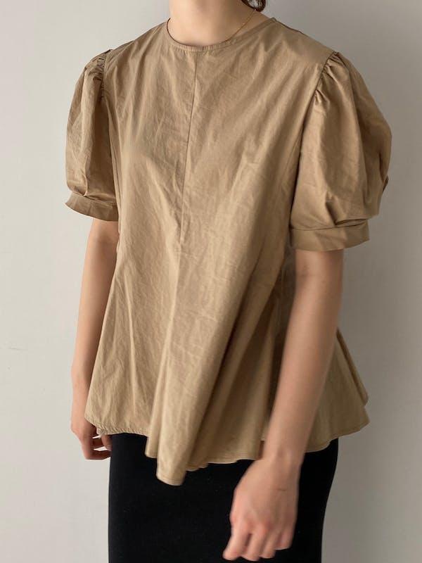 peplum puff blouseの画像2枚目