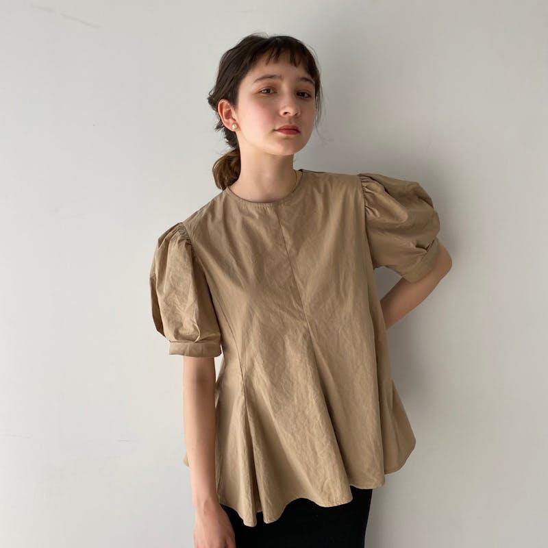 peplum puff blouseの画像1枚目