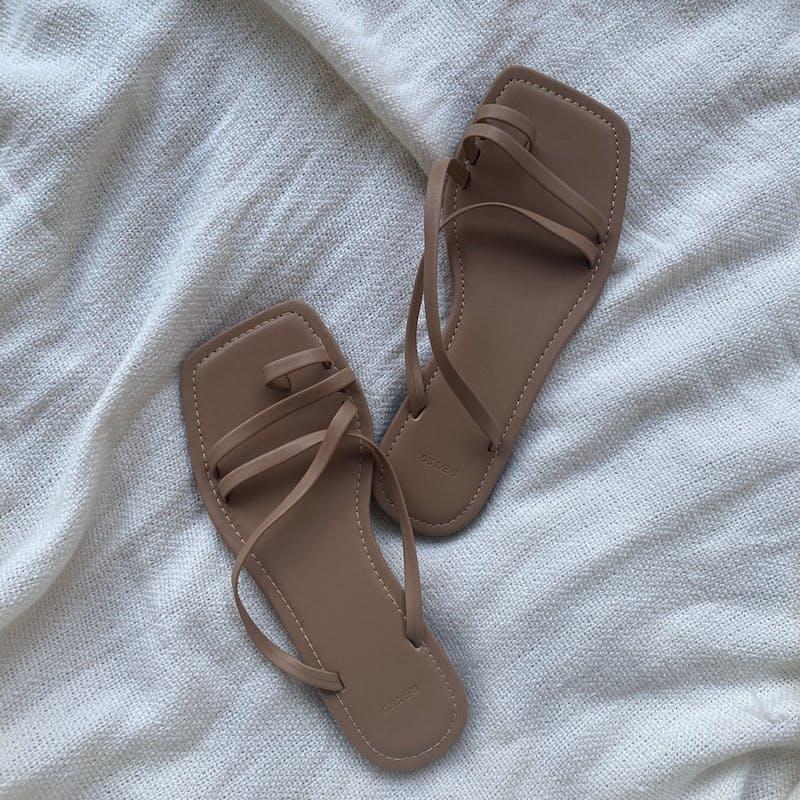 lace up sandalの画像1枚目
