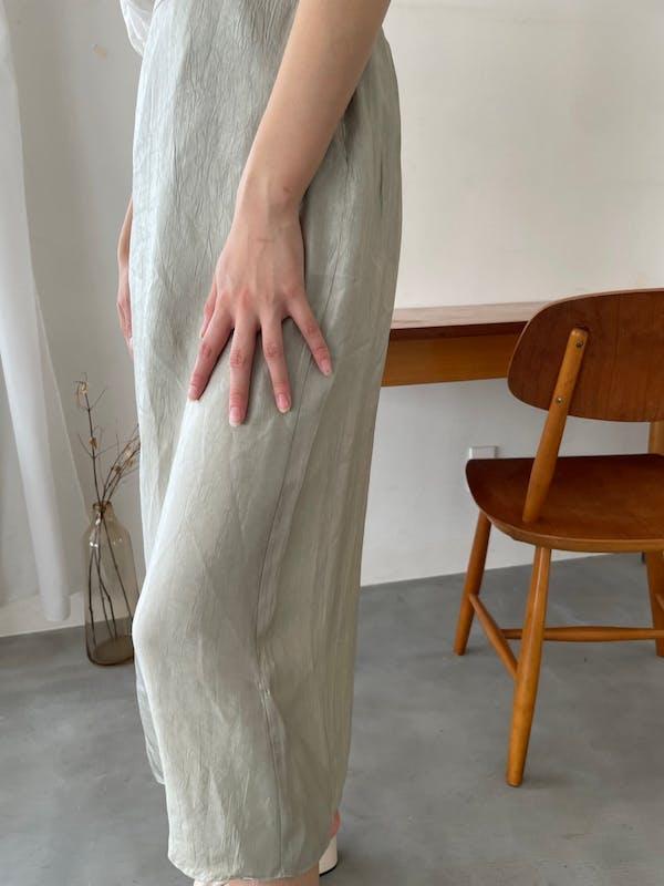 ツヤクシュサテンスカートの画像2枚目