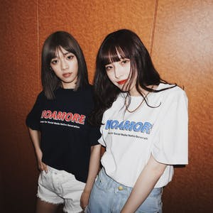 MOAMOREシグネチャーTシャツ